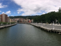 2017 06 06 Bilbao Brücke über den Nervion Kunstfoto