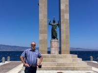 2017 06 13 Reggio Calabria Statue auf Strandpromenade