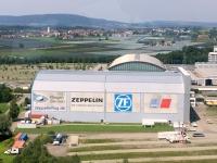 2017 08 01 Erste Zeppelinfahrt Friedrichshafen am Bodensee Anflug mit Hangar