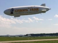 Zweiter Zeppelin landet
