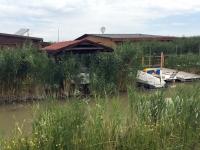 Viele Hütten am See