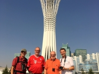2017 08 26 Astana Bayterek Tower Gruppenfoto