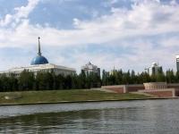 2017 08 28 Astana Bootsfahrt vorbei am Präsidentenpalast