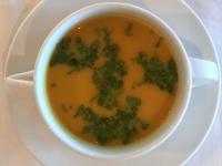 Suppe Cremesuppe aus ofengerösteten Kürbissen