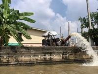 2017 10 27 Bangkok Überall wird abgepumpt