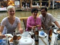 2017 10 28 Thailand Amphawa Floating Markt Perfektes Abendessen
