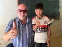 2017 10 31 Dorf Ban Huay Lern Schule mit FC Bayern Fan
