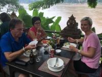2017 11 02 Mittagessen am Mekongufer