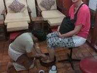 2017 11 04 Luang Prabang Füsse waschen vor Massage
