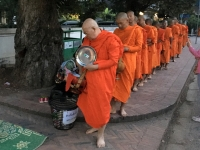 2017 11 04 Luang Prabang Mönchsspeisung