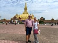 2017 11 08 Vientiane Stupa Pha That Luang von aussen