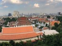 2017 10 27 Bangkok Blick vom Tempel des goldenen Berges mit Mönch