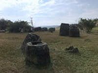 2017 11 06  Grosse Tonkrüge im Plain of Jars