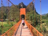 2017 11 07 Tham Chang Tropfsteinhöhle Zugangsbrücke 0