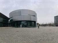 Panoramafoto des ganzen Audi Vorplatzes