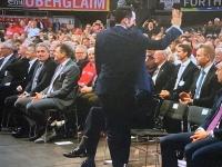 Sportdirektor Hasan Salihamidzic wird begrüsst