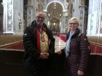 2017 12 12 Petersdom innen mit Jutta