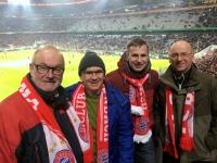 Gruppe Rüstorf_Schwanenstadt im Stadion