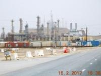 Raffinerie mitten in der Wüste