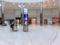 2017 02 14 Bahrain World Trade Center Moda mit exclusiven Geschäften