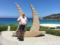 2017 06 01 Baja Sardinia mit Skulptur