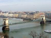 Blick vom Gellertberg auf die Kettenbrücke