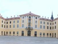2018 04 30 Schloss Moritzburg Panorama mit 2 x Stutz