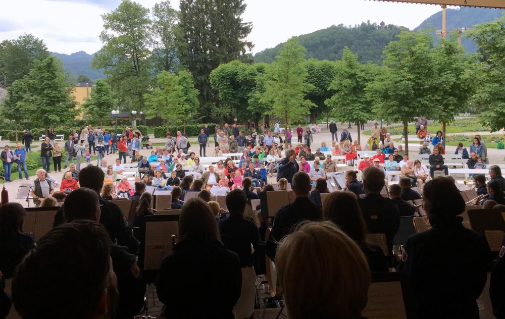 Viele Zuschauer im Kurpark Bad Ischl