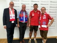 Mitglieder des FC Bayern Fanclub Natternbach im Landhaus