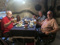 2018 06 27 Schloss Mir Mittagessen im Keller Restaurant