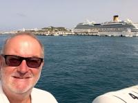 2018 07 19 Costa Fascinosa liegt im Hafen von Ibiza