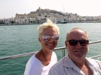 2018 07 19 Einfahrt in den Hafen von Ibiza mit Burg