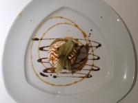 Dessert Geeister Bratapfel und Karamelsauce