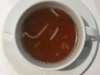 Suppe Linsen Suppe und geräucherter Schweinerücken