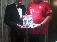2018 08 05 Chefkellner Igor_Bayernfans unter sich