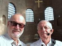 2018 08 22 Reiseleiter Rolf in der Basilika Trier