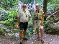 2018 08 22 Schiessentümpel Holzbrücke mit Richard