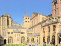 Dom mit Liebfrauenkirche vom Garten