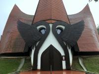 2018 09 03 Siofok Architektonisch interessante evangelische Kirche