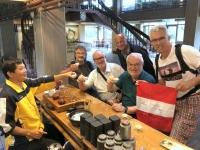 2018 09 29 Taipei Teeverkostung im Tea Info Center zum letzten Mal mit Fahne