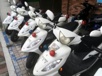 2018 09 29 Taipei Polizei Motorroller