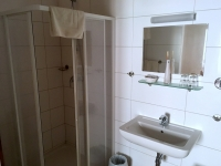 Poysdorf Hotel Eisenbluthaus Bad und WC