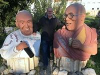 Poysdorf Kunstgarten Papst und Dalei Lama