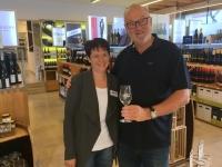 Poysdorf Weinmarkt mit Führerin Margit