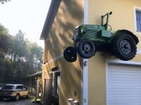 Stainz Traktormuseum halber Traktor