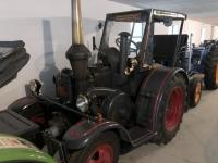 Traktor für Ausfahrten umgebaut