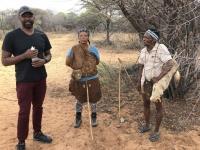 2018 10 23 Ghanzi Buschwanderung mit San_Sammesangehörige