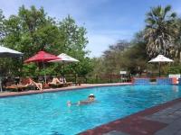 2018 10 24 Maun Sedia Riverside Lodge herrlicher Pool