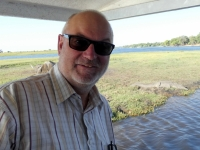 2018 10 28 Chobe Nationalpark Bootsfahrt_Krokodil geht ins Wasser