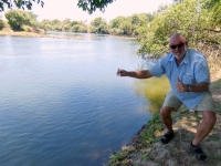 2018 10 29 Victoria Falls Wasserentnahme aus Sambesi Fluss